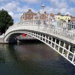 Ha'penny Bridge, el puente de Medio Penique de Dublin