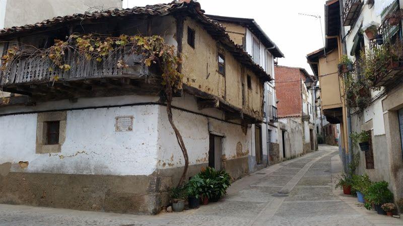 edificios de arquitectura popular en cuacos de yuste