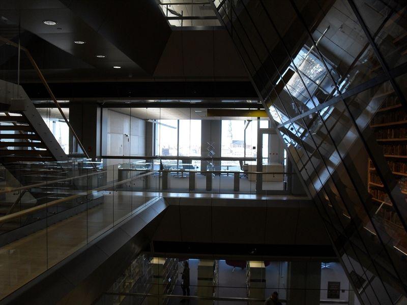 biblioteca nacional de letonia por dentro