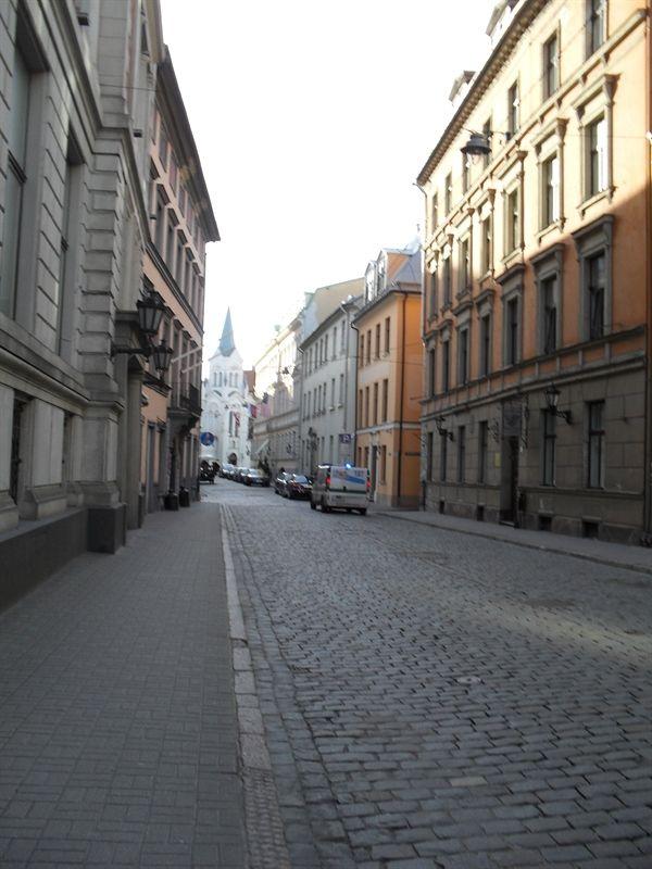 calle del casco antiguo de riga