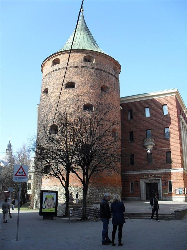 torre de la polvora en riga