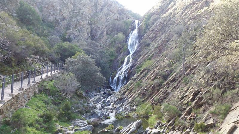 El Chorrituelo de Ovejuela, espectacular salto de agua (Cáceres)