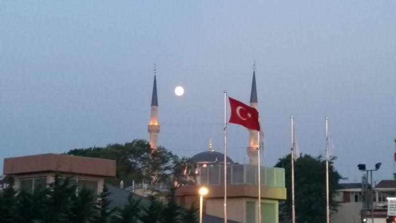 uskudar estambul luna llena