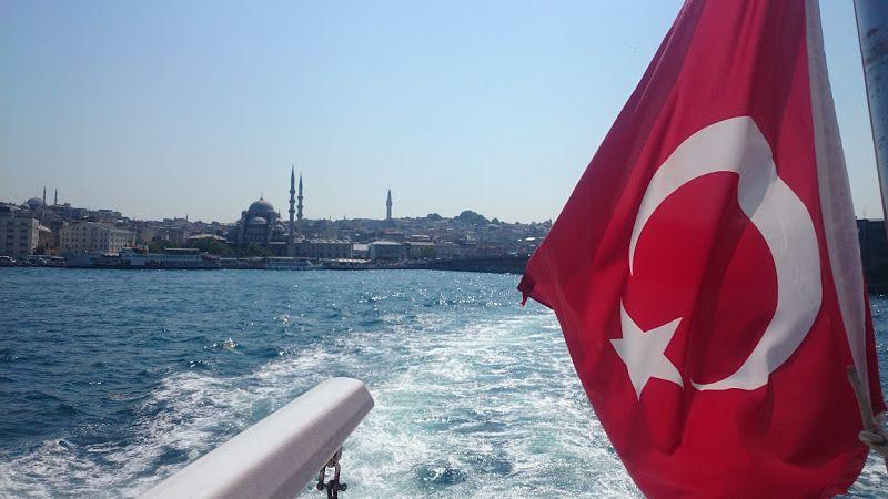 rio bosforo estambul mezquita nueva ferry