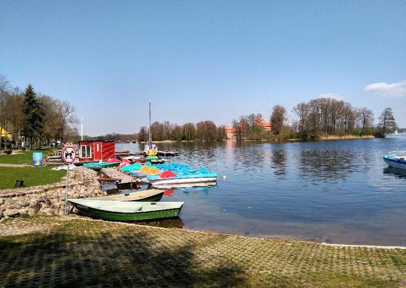 barcas pedales castillo trakai
