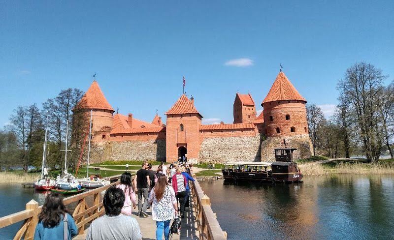 puente castillo trakai lituania