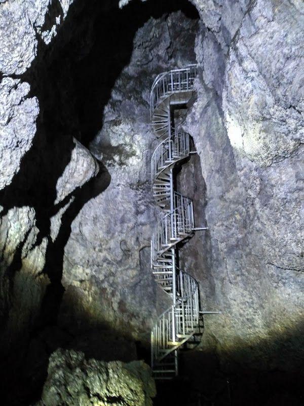 Cueva de lava Vatnshellir