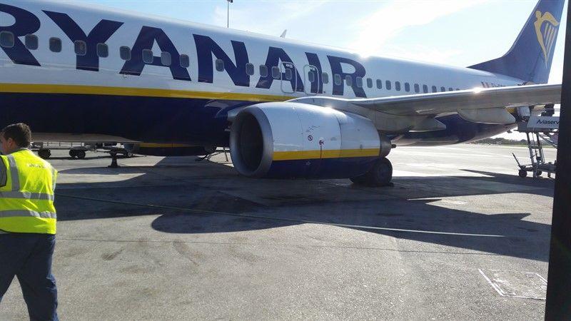 8f89bd681 Avión de la flota de Ryanair, que cambia su política de equipaje