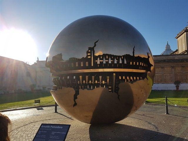 Esfera concéntrica en el Vaticano