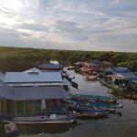 Pueblo flotante Chong Kneas, en el lago Tonle Sap en Siem Reap