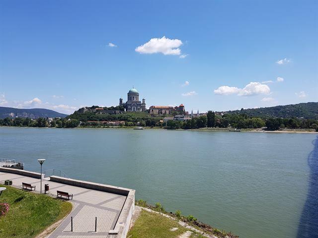 Basílica de Esztergom desde Sturovo