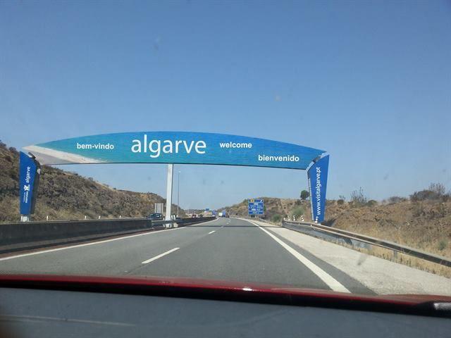 Cartel de entrada al Algarve