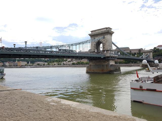 Puente de las cadenas, un icono de Budapest