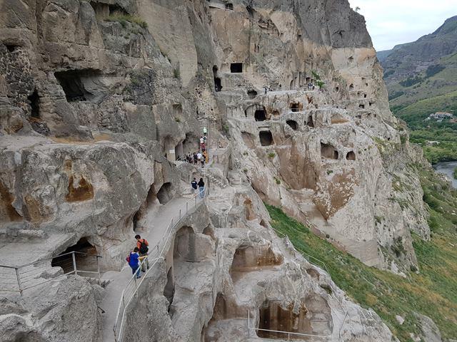 Vardzia, el monasterio en la roca en Georgia