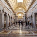 Cómo saber cuál es la mejor hora para visitar un museo sin gente