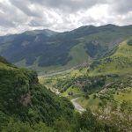 Ruta por el norte de Georgia: fortaleza de Ananuri y monasterio de Gergeti
