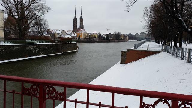 La ciudad de Breslavia nevada