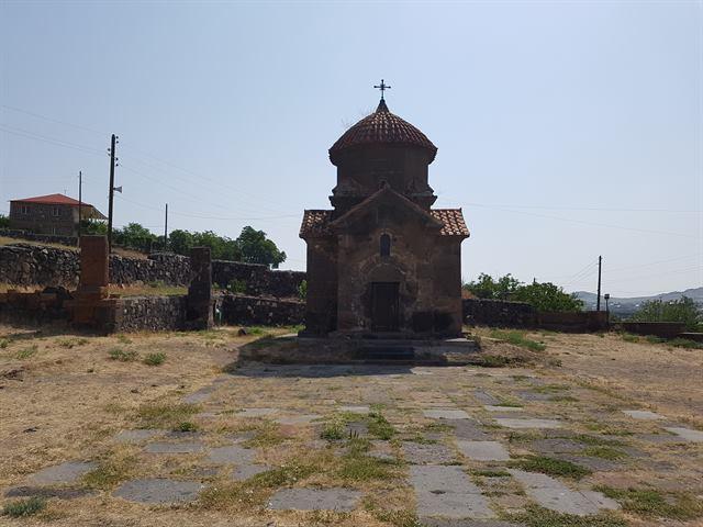 Iglesia de Karmravor