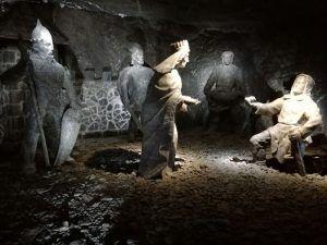 Esculturas en el interior de las minas de sal de Wieliczka
