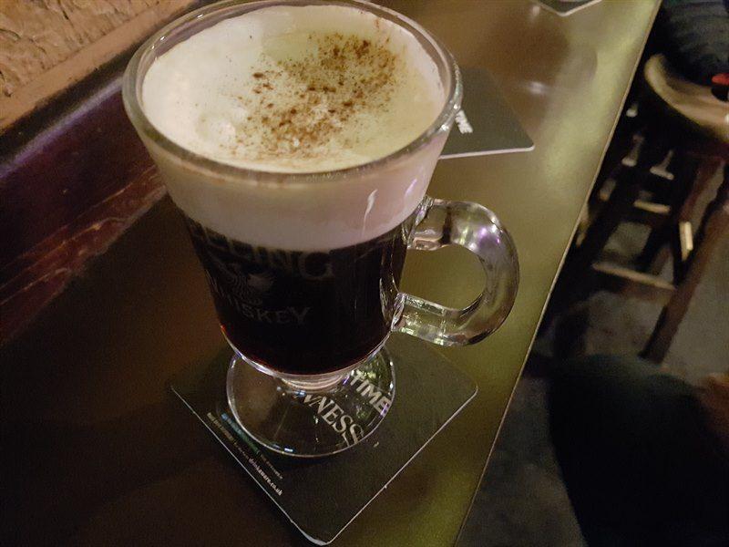 Café irlandés en O'Donoghue'S Bar