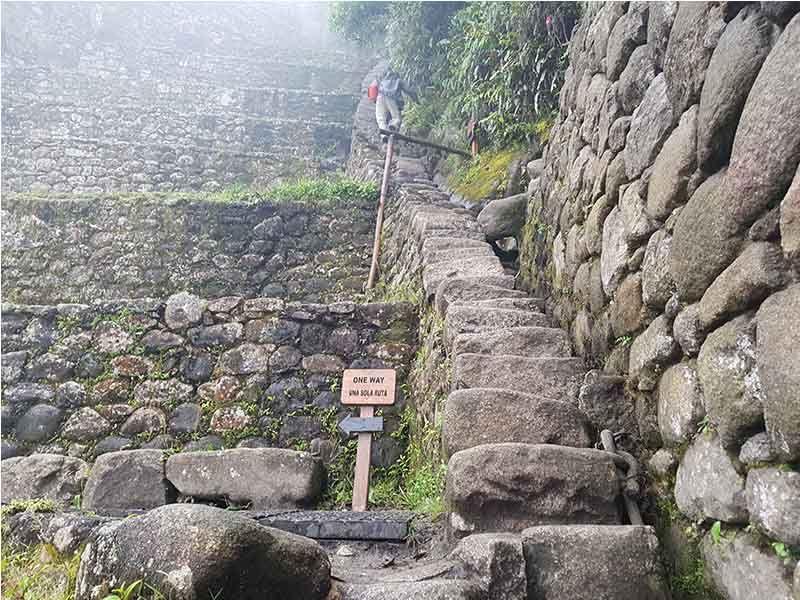 Escaleras de subida a Wayna Picchu