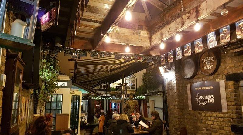 Terraza de The Brazen Head, el pub más antiguo