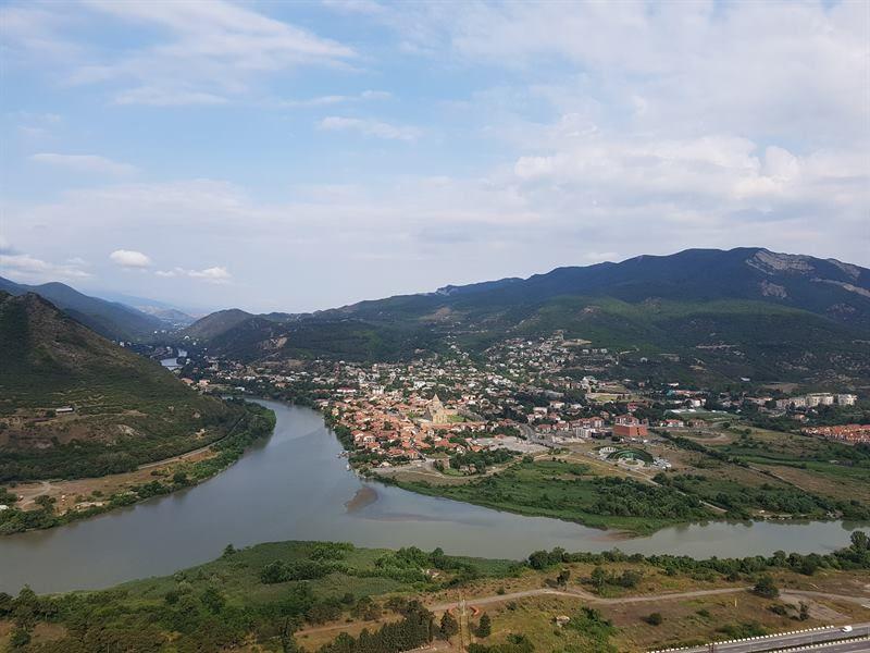 Vistas de Mtshketa desde el monasterio de Jvari