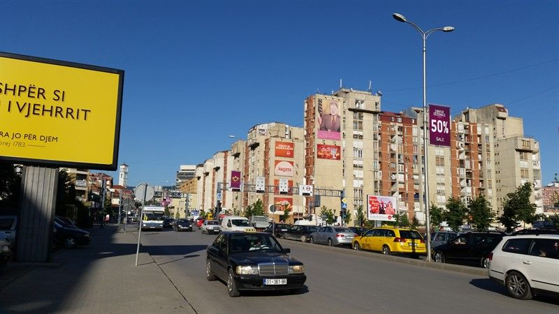 Avenida de Bill Clinton, en Pristina