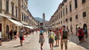 Calle Stradun, lugar que ver en Dubrovnik en un día