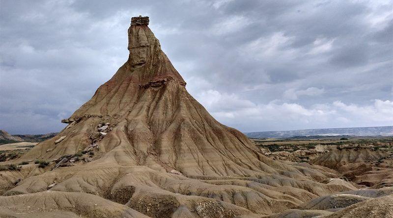 castil de tierra o chimenea de las hadas en las bárdenas reales