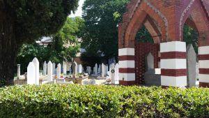 Cementerio musulmán junto a la mezquita Karadoz Bey