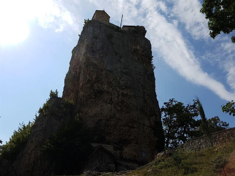 Columna de Katskhi, uno de los sitios que ver en Georgia en una semana