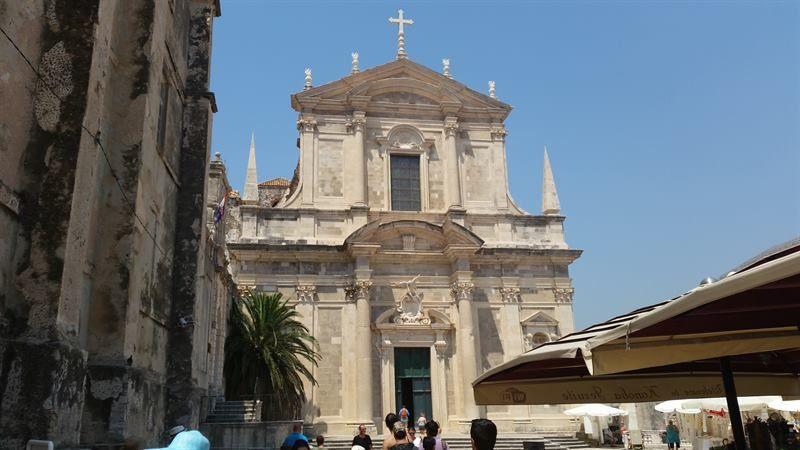 Iglesia de San Ignacio, otra de las cosas que ver en la capital de Croacia