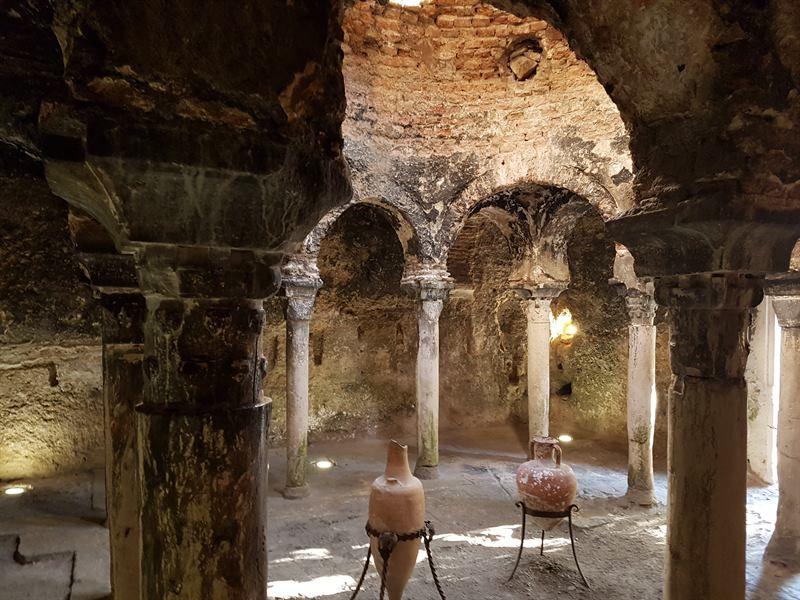 Interior de los baños árabes de Palma de Mallorca