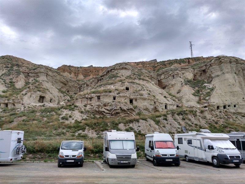 parking autocaravanas cuevas arguedas