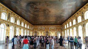 Salón de los Espejos, en el interior del Palacio de Catalina la Grande