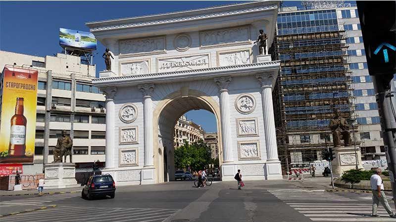 Arco del Triunfo, una de las cosas que ver en Skopie en un día