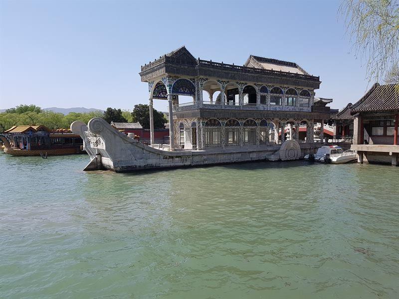 Barco de mármol, en el Palacio de Verano