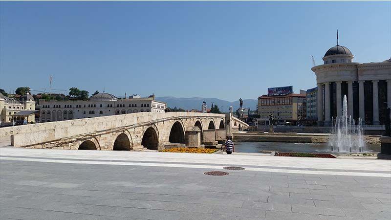 Puente de piedra en Skopie