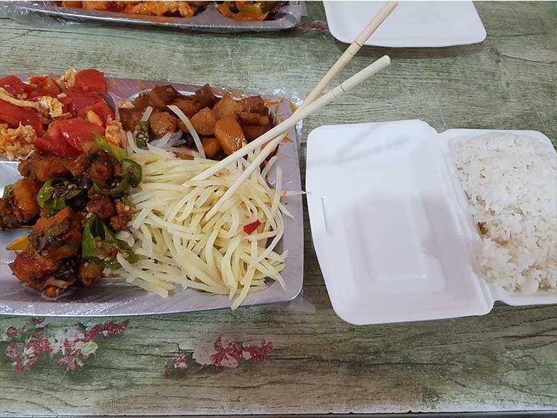 Comida en un puesto callejero de Xian