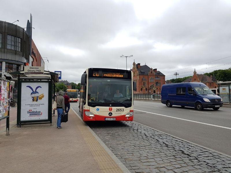 bus 210 gdansk aeropuerto