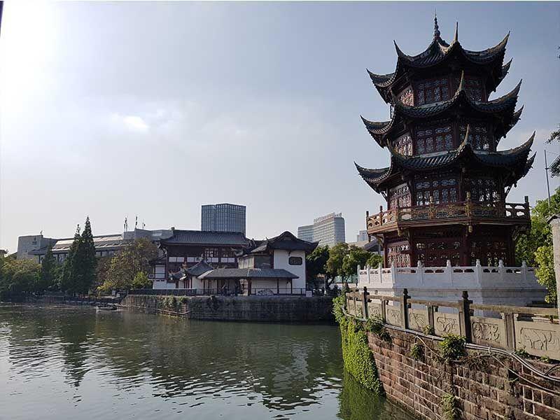 Pagoda en el Parque de la Cultura