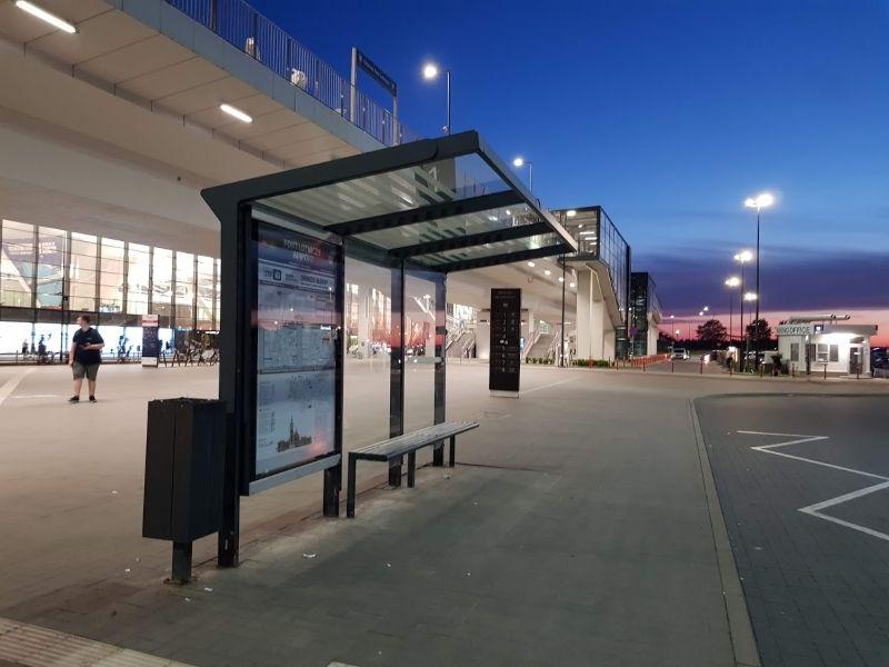parada bus aeropuerto gdansk
