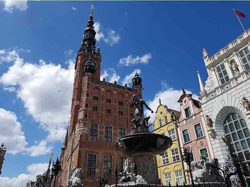 Ayuntamiento de Gdansk y la fuente de Neptuno