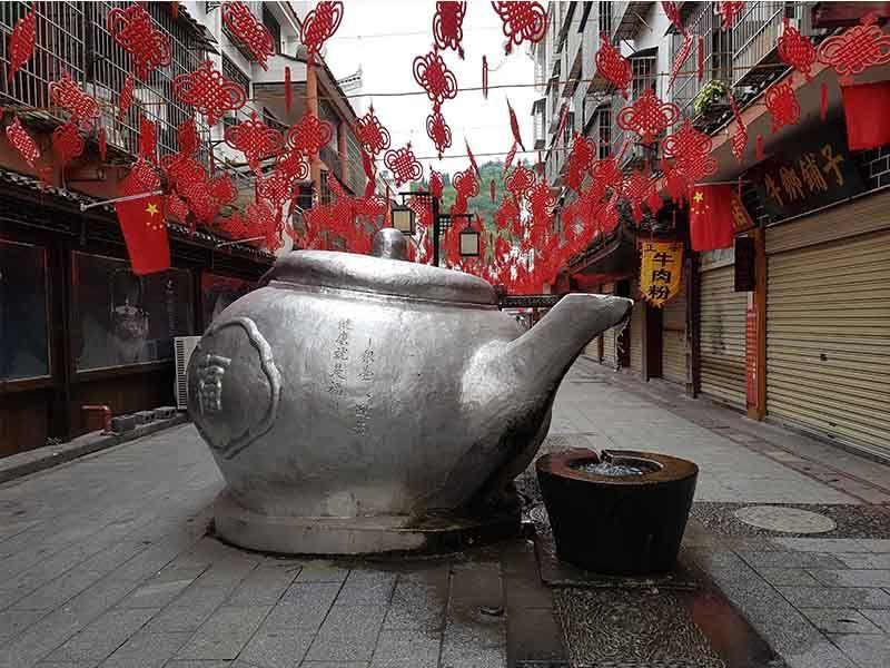 Una tetera en la parte nueva de Fenghuang