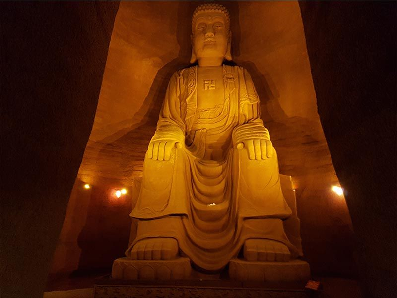 Gran Buda sentado en Oriental Buddha Capital, en Leshán