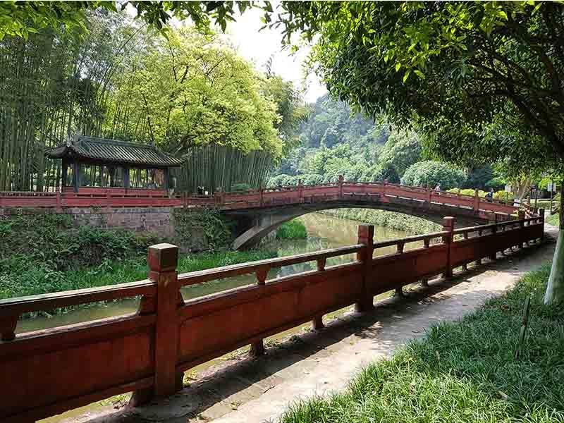 Jardines en Oriental Buddha Capital