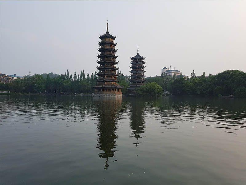 Pagodas del Sol y Luna en Guilin