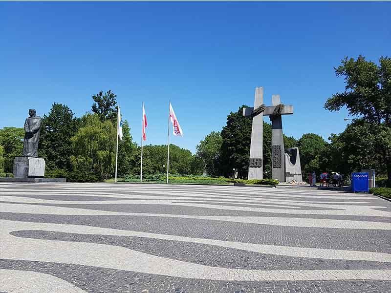 Plaza y parque de Adam Mickiewicz