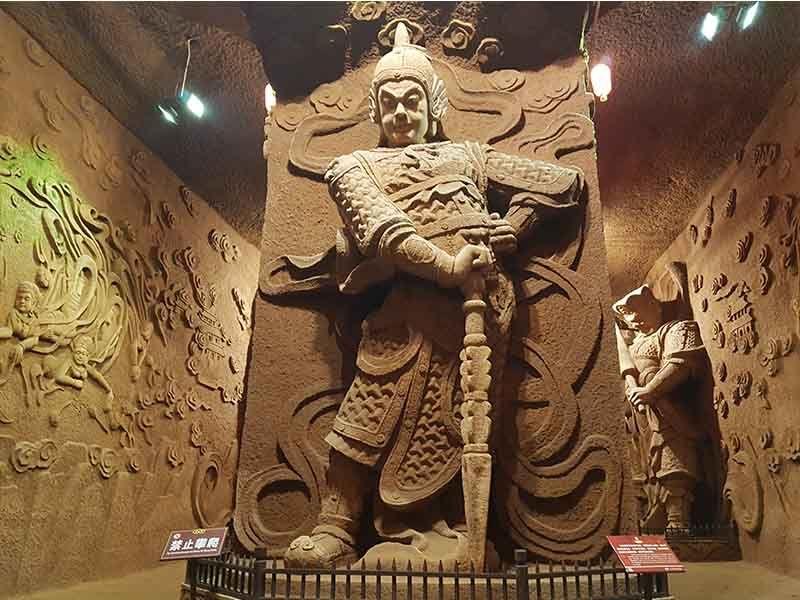 Túneles dentro de Oriental Buddha Capital
